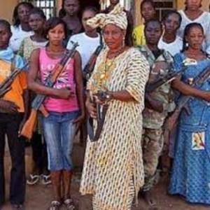 imagesfemmes nigérianes arméesBIS