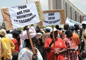 4832634_6_e8a1_manifestation-pour-la-paix-en-casamance-en_25f0e67724043bddcbf9047b5ec006db