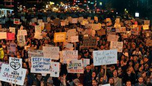 manifestation-contre-l-election-de-donald-trump-dans-les-rues-de-denver-colorado-le-10-novembre-2016_5741785