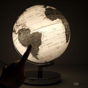 globe-terrestre-lumineux